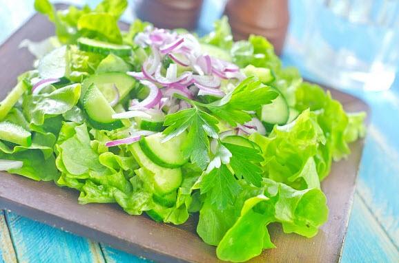 Салат или зелени