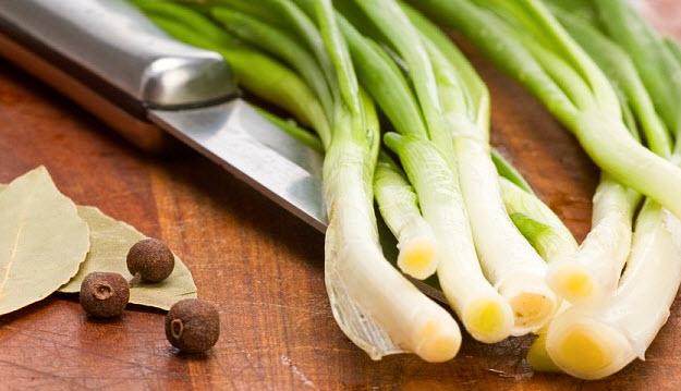 Как лучше кушать и готовить лук?